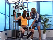 Hot chick gives horny fitness blowjob workout