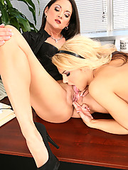 Ashlynn Brooke fucks Stephanie Swift Deep And Hard With Strap On