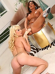 Heidi Mayne And Adriana DeVille Play WIth Double Headed Dildo