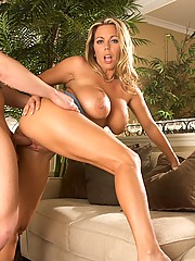 Amber Lynn Slids Her Juicy Twat On Huge Dick