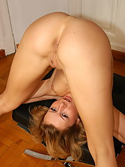 Flexible Redhead Reka what a flexible doll
