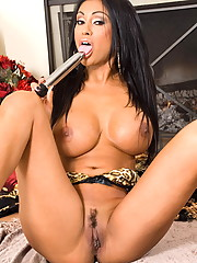 Priya Rai blows her load while using a toy