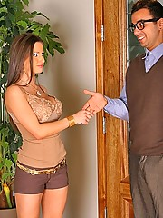 Hot brunet rachel roxx fucks nerdy neighbor after he fixes her computer