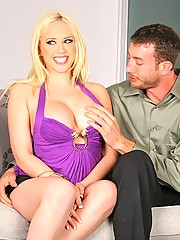 Kagney linn gets on her laptop and finds a hot lover she can fuck