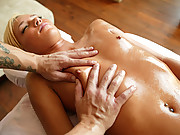Masseuse intentionally gets chick horny to fuck!