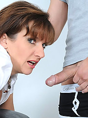 Mature lady sonia bound and spanked