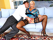 After deep throating a cock Alexis Golden takes it doggystyle