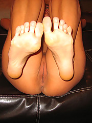 Melissa giving a great footjob
