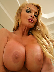 Taylor Wane and her son