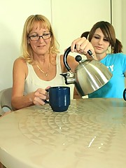 mom needs her cream in coffe cup handjob at tug club
