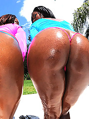 2 super hot ass thick big titty black babes ride and get cumfaced in these hot big dong fucking 3some poolside picset