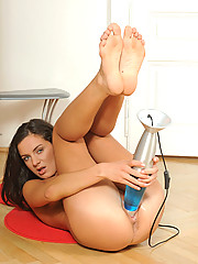 Kate Lynn cannot find anyone to fuck so she gets the lava lamp and rams her craving shaved twat