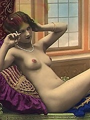Hot thirties girls in color tints posing nude