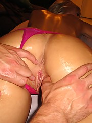 Dumb hoe gets her pussy worked on on the massage table