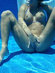 Midwest girl sucking cock in the pool