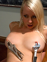 Smoking hot blond double fucked by a fast machine. One dick in her pussy, one in her ass fucking non-stop with robot precision until she cums.