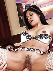 Gabby Quinteros is checking up on how her electrician is coming along when she gets the urge to fuck him. He explains to her that he just cut the power but Gabby is so turned on that she takes off his tool belt and pulls out his power tool!!!