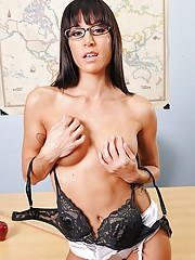 Gia is having a hard time controlling her class. This is mostly due to her having issues with her ex-boyfriend who cheated on her. Principal Deen decides to take it upon himself to knock some sense into her by calling her into his office one morning for a
