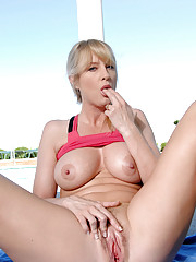 Anilos Bethany Sweet always ends her workout with a little finger dip in her mature pussy