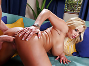 Shayla Stylez is house-sitting for her friend while she�s out of town. When her friend�s brother shows up a week early, Shayla is thrilled for some company and the chance to seduce her friend�s brother�