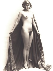 Some naked vintage chicks posing in thirties