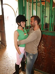 A daring teenage couple screwing in stables