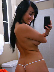5 hot horny naked college babes get caught fucking each other in these ex gf pics