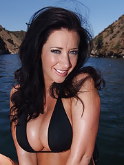 Jayden Jaymes is out on a boat with her friend�s brother when he confesses his feelings towards her.  Jayden is up for some fun and since her friend isn�t there to interfere, these two are getting off off-shore!!