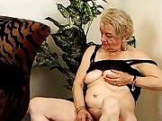 Bushy mature amateur pussy licking