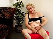 Amateur grannies frigging and sucking