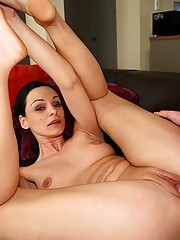 Get your jonsons ready for this super sexy euro mamma in these hot ass fuck pics