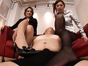 Asami Ogawa with other Asian doll rub a dick with their feet