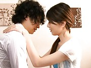 Yui Hatano Pretty girl is kissing her guy in the bedroom