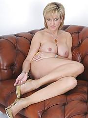 Stunning uk mature babe lady sonia