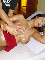 The dirty masseur scores another pussy