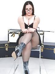 Pantyhose fetish chubby mistress