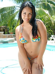 Thalia comes for a swim in her hot bikini and ends up fucking her pussy