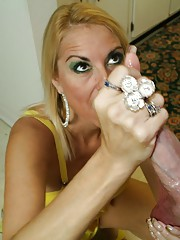 Milf Dallas Diamonds facial