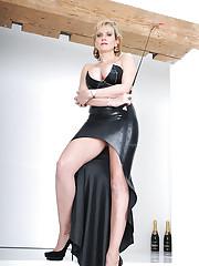 Elegant british mature dominatrix