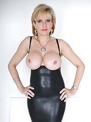 Lady sonia in rubber mini dress