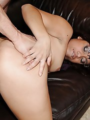 Hot latina with fat pussy and juicy round ass gets banged in the backyard