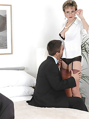 Mature british cuckoldrix blowjob