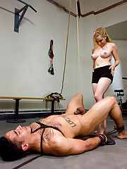 Aiden Starr orders her slaveboy to exercise