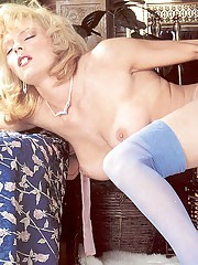 Classy eighties lady in blue stockings fucked