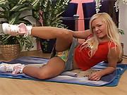 A blonde beauty pleasuring snatch with dildo