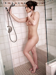 Dani Daniels taking her a hot shower alone