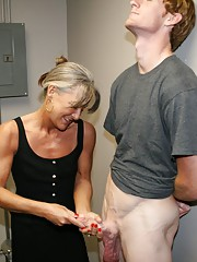granny Leilani Lei gets a huge cumshot facial