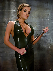 Gorgeous latex domina slaps the shit out of slave boy