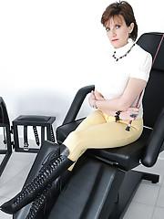 Boot dominatrix
