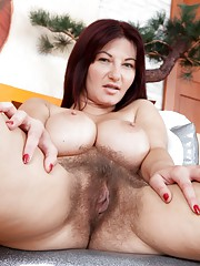 Vanessa J is getting ready to play with her pussy